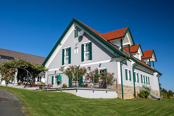 Ihr Urlaub bei uns am Weinhof ist in jeder Jahreszeit ein Erlebnis. Wir freuen uns auf Ihren Besuch.